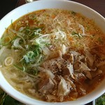 Nha Viet Nam - 激旨 辛口スープの丸太麺 ブン ボー フエ 950円