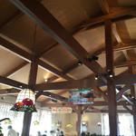 炭焼きレストランさわやか - 広い店内