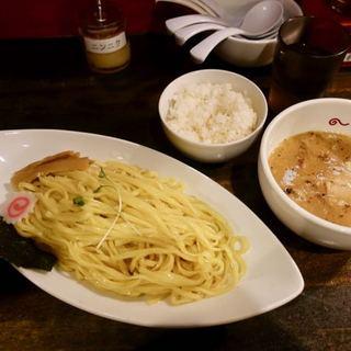 IBUKI -つけめんDINING- - 料理写真:つけ麺 820円 + 半ライス 110円