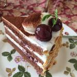 北浜レトロ - ダークチェリーのショートケーキ
