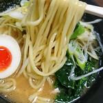 横浜らーめん 壱八家 - 麺はストレートなのだ(*^^*)