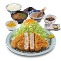 """""""ご飯・キャベツおかわり無料""""です★嬉しいサービス!♪"""