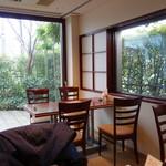 神通町 田村 - 店内・テーブル席