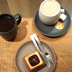 ダンデライオン・チョコレート ファクトリー&カフェ蔵前 - パプアニューギニアスモア クラマエホットチョコレート アメリカーノ