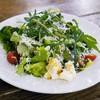 ピッツァリーヴァ - 料理写真:グリーンサラダと熟成リコッタチーズ