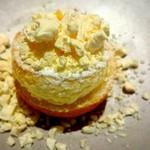 60965616 - 柚子のスフレと液体窒息で作ったチーズケーキアイス