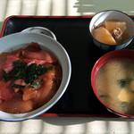 まるよし食堂 - マグロの漬け丼