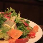 ピッツエリア ファッブリカ トクマル - 料理写真:ぶりのサラダ仕立て