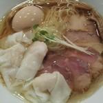 らぁ麺やまぐち 辣式 - 塩ラーメン  +  (ワンタン、玉子、チャーシュー)