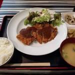 バーイタリアーノ サンシーロ - カツレツセットをいただきました。オドロキの680円です☆