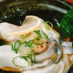 61020812 - 牡蠣ポンは飲み物です。