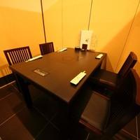 周りを気にせず食を楽しめる全席個室の落ち着いた空間