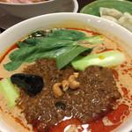 龍馬軒 - 担々麺。味噌が美味しく絶品です