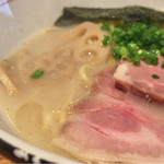 麺と心 7 - 濃厚魚介そば 元味  822円