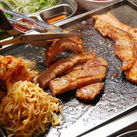 ゼッタイお得!ランチ限定サムギョプサル食べ放題コース(90分)