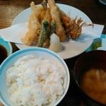 登良屋 - 天ぷら盛り合わせ定食・海老追加