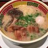 九州じゃんがら - 料理写真:じゃんがらラーメン角肉入880円+半熟卵120円!