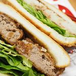 堀田牛肉店 - メンチカツでサンドイッチを作成