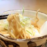 ハナヤマZ - 濃厚エビ味噌ラーメンの麺 '16 1月下旬