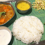亜州食堂 チョウク - ベジタリアン ミールス(南インド)/LunchTime