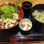 61201053 - ローストビーフ丼