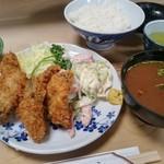 大衆割烹 三州屋 - かきフライ定食 1,350円