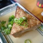 手打うどん 三徳 - おでんの豆腐
