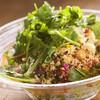 10品目の彩り野菜のチョップドサラダ&バゲット