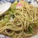牡丹 - 2017年1月中旬 ちゃんぽん麺は少し変形した丸い麺。