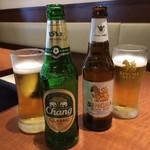ソムオー - シンハー&チャーンで乾杯!