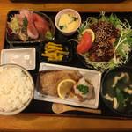 一歩 - これで、1200円 !!刺身なんか新鮮そのもの(๑˃̵ᴗ˂̵)定食3つ分のおかずです
