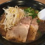 元祖 広島牛骨醤油ラーメン 大嵐 - 牛骨醤油ラーメン黒  650円
