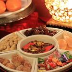 萬珍樓 - 新年の食べ物のディスプレイより