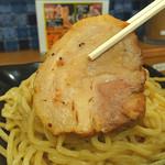 つけ麺専門店 二代目YUTAKA - 二代目YUTAKA十八番の厚切り炙り豚