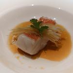 中華 たかせ - 東星ハタの清蒸、葱匠がのフィッシュ醤油ソース