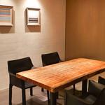 中華 たかせ - 店内:テーブル