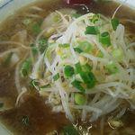 ラーメン藤 - 料理写真:ラーメン700円(税込)ミニ焼き飯とセットで950円(税込)