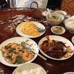 三和楼 - カニ玉、特製味噌のイカイカ炒め、エビの龍井茶炒め