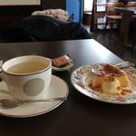 61302290 - 柚子チーズケーキと柚子茶をセットしていただきます(2017.1.15)