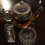 ロ岩ロ岩好・アムアムホウ - ドリンク写真:特製ブレンド茶