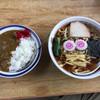 みやご食堂 - 料理写真:中華そばとミニカレー 900円