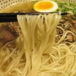 東風金菜亭 - 麺には、アーモンドとタピオカが練り込まれてあるらしいです。
