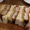 洋食・ワイン フリッツ - 料理写真:ヒレカツサンド。見よこの肉汁の滲みだしを!