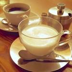 喫茶葦島 - ホットミルク