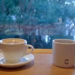 コーネルコーヒー - ホットチョコレートとドリップコーヒー