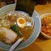 溝ノ口野郎 - 料理写真:濃厚 鶏ガラと煮干しの醤油ラーメン700円 トッピンク辛ネギ150円