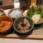 61444936 - 前菜5種盛りは、ちょっとずつ入ってて、これを摘まみに永遠と日本酒が楽しめちゃいそう。