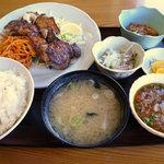 寿司吉 - まぐろホホ肉ステーキ定食