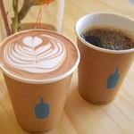 ブルーボトルコーヒー - ホットチョコレートとホットコーヒー