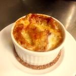 ビーボデイリースタンド - オニオングラタンスープ